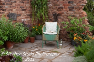 Awarded Silver Gilt Flora; The Old Kiln Yard designed by Paul Taylor of Alchemy Gardens, sponsored by The Cottage Herbery celebrating their 35th Anniversary