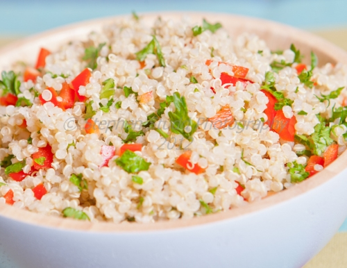 Quinoa with red peppers and parsley