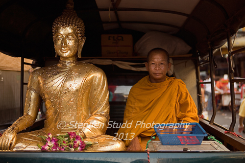 Asia, Thailand, Bangkok, Chinatown, Buddhist monk and Buddha statue in the back of a pick up truck