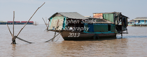 floating villages Tonle Sap lake Cambodia