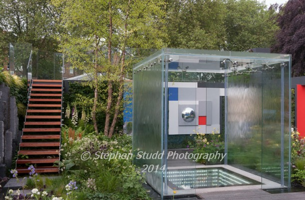 The Mind's Eye garden for the RNIB - Royal National Institute for the Blind - designers LDC Design - sponsors - Countryside - awarded best in show in the Fresh Gardens & Gold medal