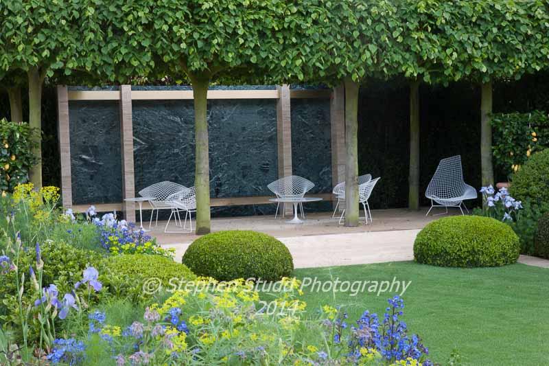 The Telegraph Garden - Designers Tommaso Del Buono & Paul Gazerwitz