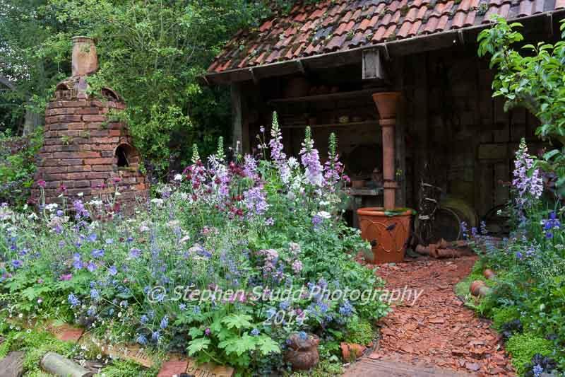 RHS Chelsea flower show 2014 - The Dial A Flight - Potter's Garden - Designer Nature Redesigned - Sponsor DialAFlight