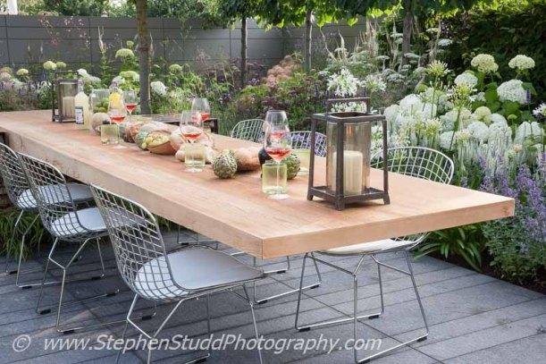 Stephen Studd - Garden - Vestra Wealth's Vista - view of garden - Designer - Paul Martin Designs - Sponsor - Vestra Wealth