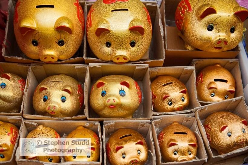 Asia, Thailand, Bangkok, Chinatown, piggy bank, golden pig money boxes