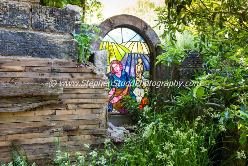 The Evaders garden – Designer John Everiss - Sponsor – Chorley Council – awarded Silver Gilt (stained glass by Irene Mackay).
