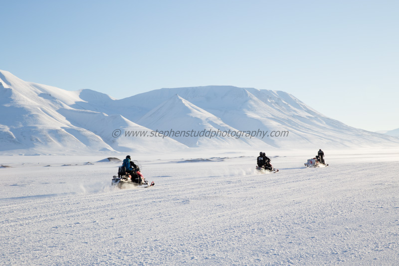 Arctic circle, North polar region, Europe, Scandinavia, Norway, Svalbard, Spitsbergen, Longyearbyen snow mobiles, Adventdalen valley