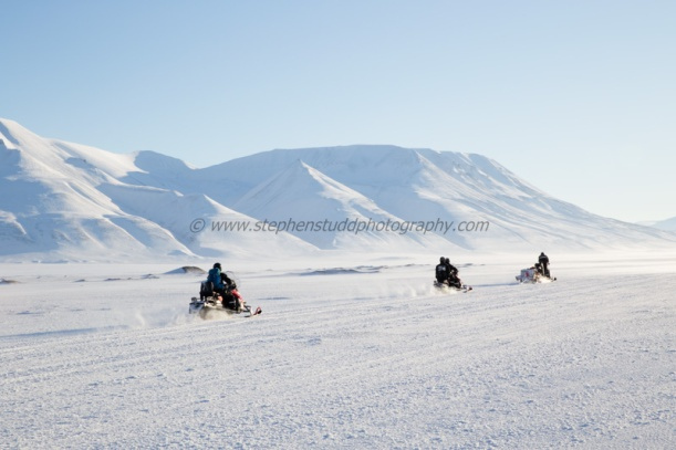 Arctic circle, North polar region, Europe, Scandinavia, Norway, Svalbard, Spitsbergen, Longyearbyen snow mobiles, Adventdalen valley