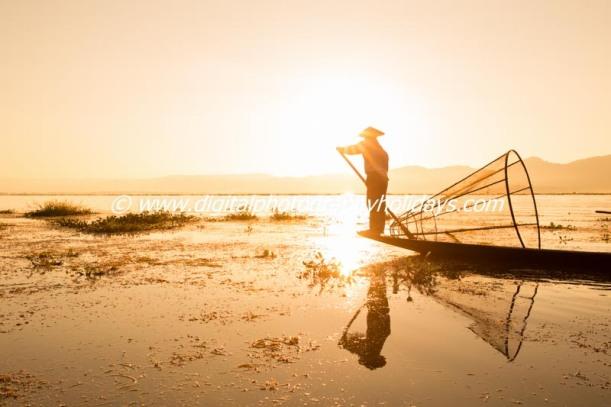 Intha leg rowing fisherman sunrise, Inle Lake, Nyaung Shwe, Nyaungshwe, Shan State, Myanmar (Burma), Asia