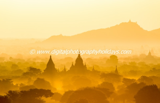 digital travel photography holidays tours to Burma myanmar hosted by Stephen Studd, Bagan temples sunrise