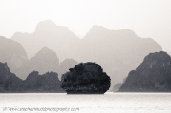Halong Bay digital travel and landscape photography holidays, vacations, tours and workshops to Asia,  Vietnam, Burma (Myanmar), Cambodia: Angkor Wat, Siem Reap, the Gower Wales UK