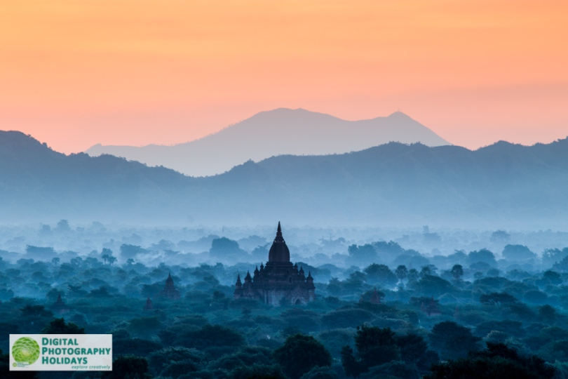 digital travel photography holidays vacations tours to Burma myanmar hosted by Stephen Studd, Bagan temples